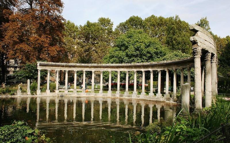 paris colonnade monceau